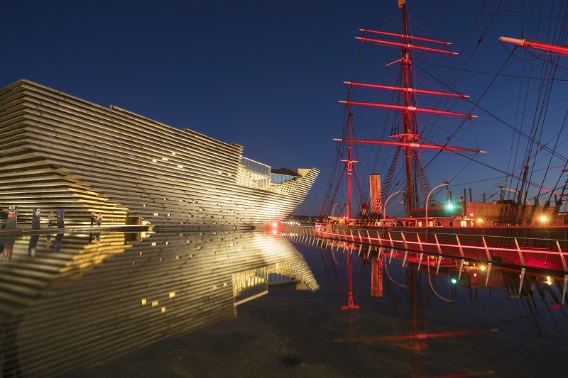 V&A Dundee and RRS Discovery at night
